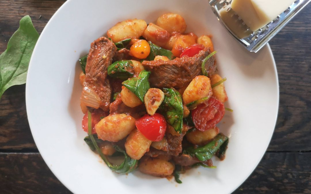 WEDNESDAY – Tomato Garlic Gnocchi with Beef
