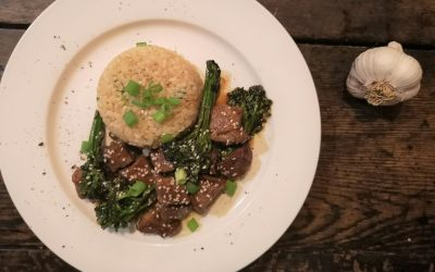Garlic Broccoli & Beef Bites with Buttered Brown Rice